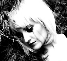 Abandoned sad doll (black tear session) by Alessia Ghisi Migliari