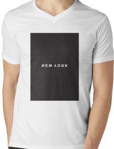 New York Minimalist Black and White - Trendy/Hipster Typography Mens V-Neck T-Shirt