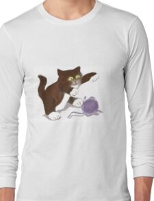 Kitten and the Purple Ball of Yarn Long Sleeve T-Shirt
