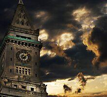 Customs House Clock Tower by LudaNayvelt