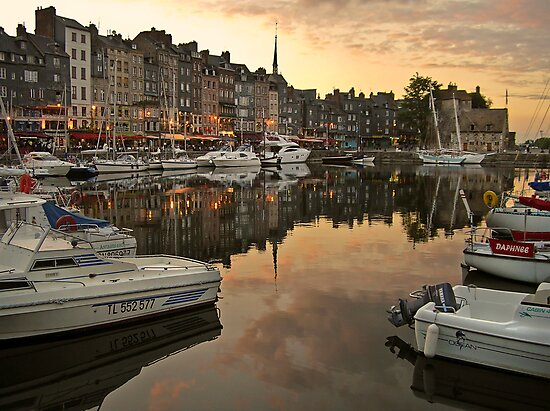 honfleur evening by dinghysailor1