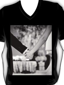 Wedding couple bride groom holding hands back and white photo T-Shirt