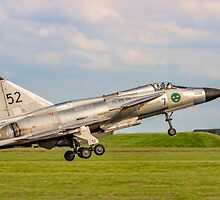 SAAB AJS 37 Viggen 37098/52 SE-DXN lifting off by Colin Smedley