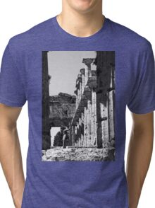 Paestum: photographer girl in the temple Tri-blend T-Shirt