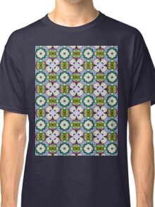 Countrystile spring flowers pattern  Classic T-Shirt