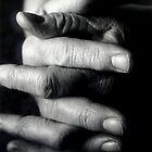 Nanna's Hands by stellaozza