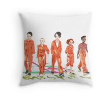 #4 misfits Throw Pillow
