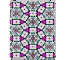 Purpel blue white checked flowery pattern iPad Case/Skin