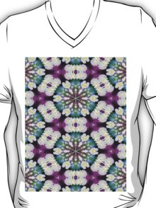 Purpel blue white checked flowery pattern T-Shirt