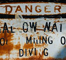 Danger: HAL OW WAI by randmphotos