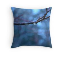 The world is wet Throw Pillow