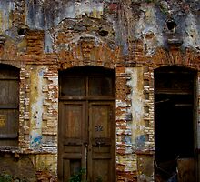 triste façade by Bruno Lopez