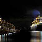 QM2 Meets Finger Wharf by Bill Fonseca