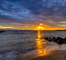 Cameron's Bight sunrise by Keith Stead