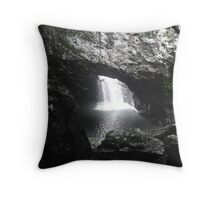 Nature in flow Throw Pillow