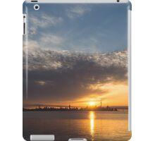 Brilliant Toronto Skyline Sunrise Over Lake Ontario iPad Case/Skin