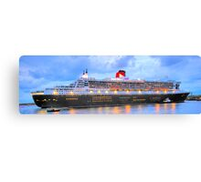 City Of Light - The Queen Mary 2  Canvas Print
