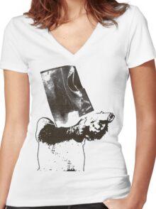 monkey scream monkey shoot Women's Fitted V-Neck T-Shirt