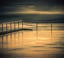Austinmer Pool by Geraldine Lefoe