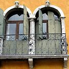 Yellow Windows  by HelmD