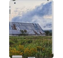 Fog rolling in over North Mountain iPad Case/Skin