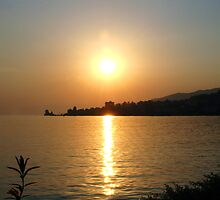 Sunset Montreux by SvenS