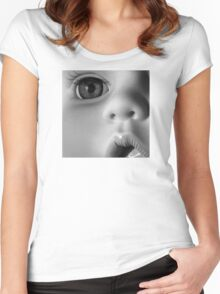 GLASS EYE Women's Fitted Scoop T-Shirt