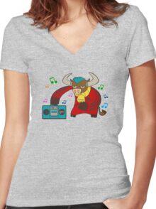 Beatbull Women's Fitted V-Neck T-Shirt