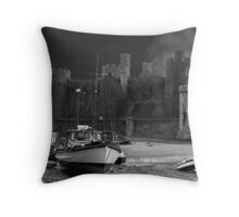"""""""Conwy Castle"""" Throw Pillow"""