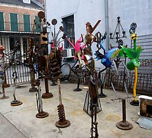 ANTIQUE SHOP SCULPTURE YARD by helene ruiz