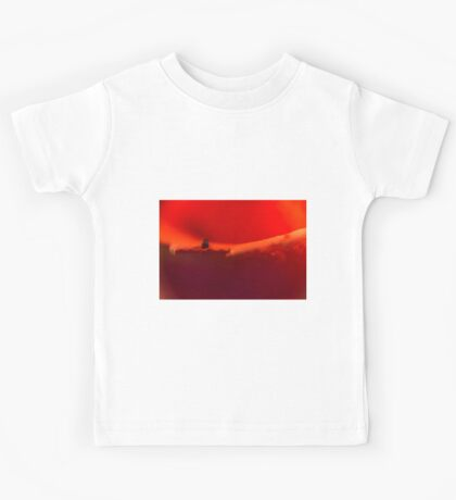 Defocused Red 3 Kids Tee