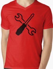 Crossed screw wrench screwdriver Mens V-Neck T-Shirt