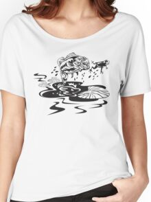 fishy wants froggy Women's Relaxed Fit T-Shirt
