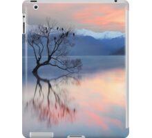 Pink Sky at Lake Wanaka iPad Case/Skin