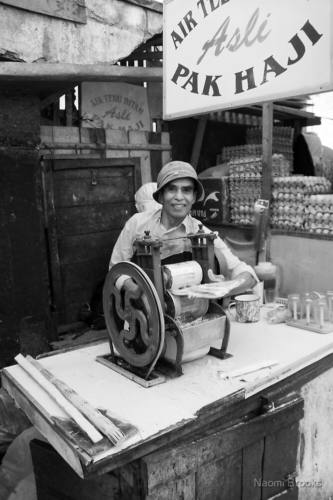 Mr Haji's juice machine by Naomi Brooks