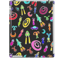 Seamless pattern with space aliens and flying rockets, spacecraft, and galaxies. Cute kids doodle sketch. iPad Case/Skin