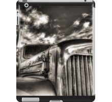 Mack  B model in Black and White iPad Case/Skin