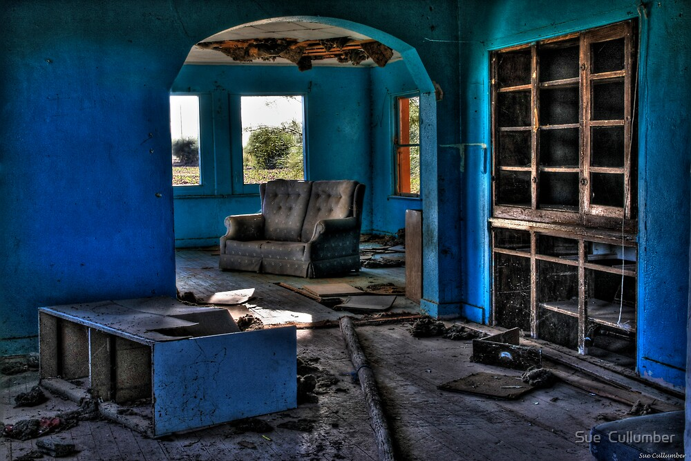 Abandoned and Blue by Sue  Cullumber