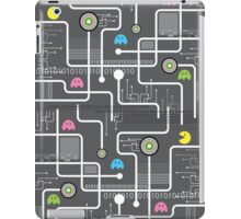 Return Of The Retro Video Games Circuit Board iPad Case/Skin