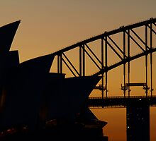 Close-up of Sydney Opera House and Sydney Harbour Bridge after sunset by Jesper Høgsdal
