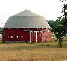 Indiana Round Barn by Dennis Burlingham