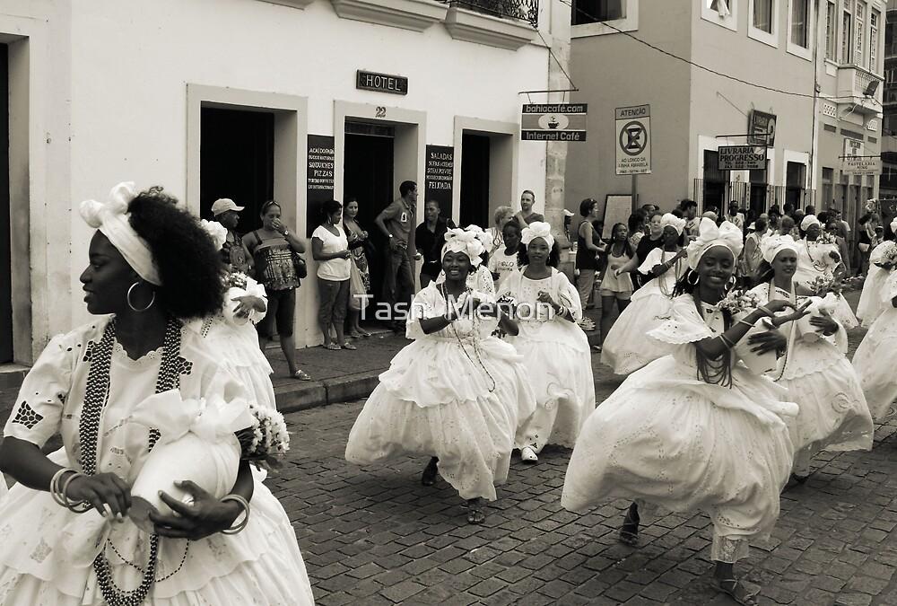 Carnaval Pre-Parades, Salvador by Tash  Menon