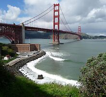 Bunker Point building and the Golden Gate Bridge by Lenny La Rue, IPA