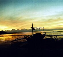 Sunrise at Sariaya Quezon by jaccua