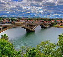 Tweed Road Bridge by Tom Gomez