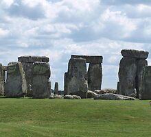 Stonehenge by victoriakwwu