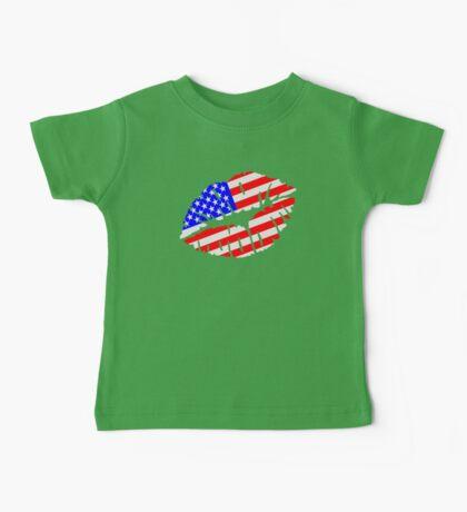 United States kiss flag Baby Tee