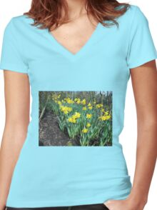 Bed of Daffodils Women's Fitted V-Neck T-Shirt