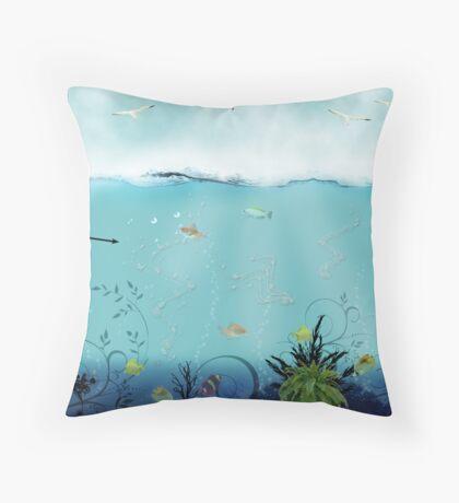 pêche Throw Pillow