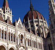 Vertical Wideangle, Budapest by wiggyofipswich
